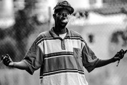 135mm Lens – Creative Miami Street Photography Project Idea